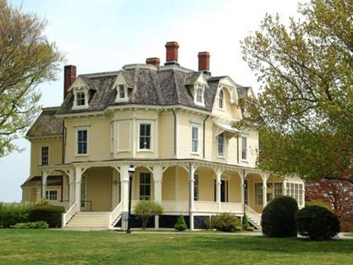 Glen Manor house | Admiral Sims House Bed & Breakfast, Newport RI