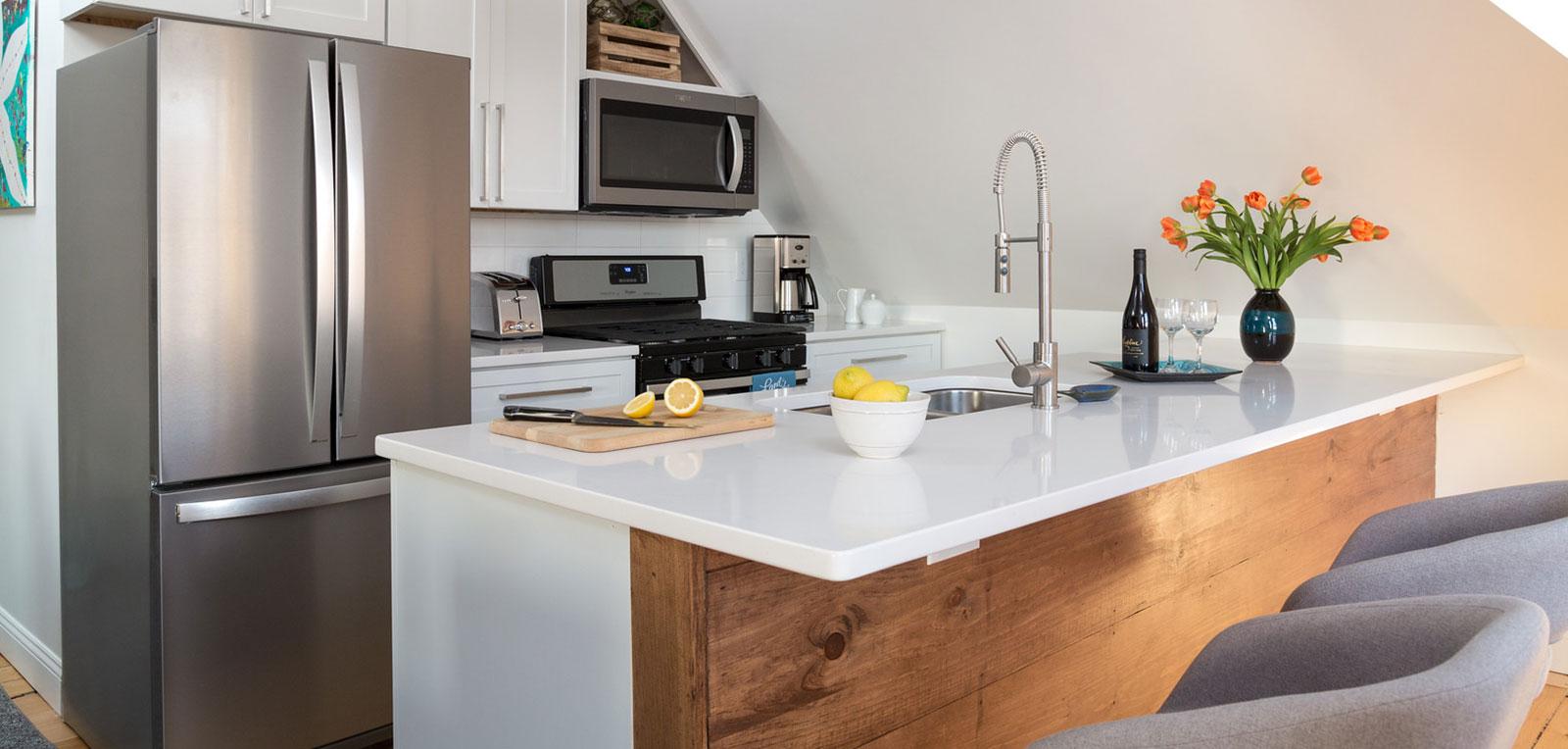 2BR Apartment Kitchen | ADMIRAL SIMS B&B, Newport Rhode Island