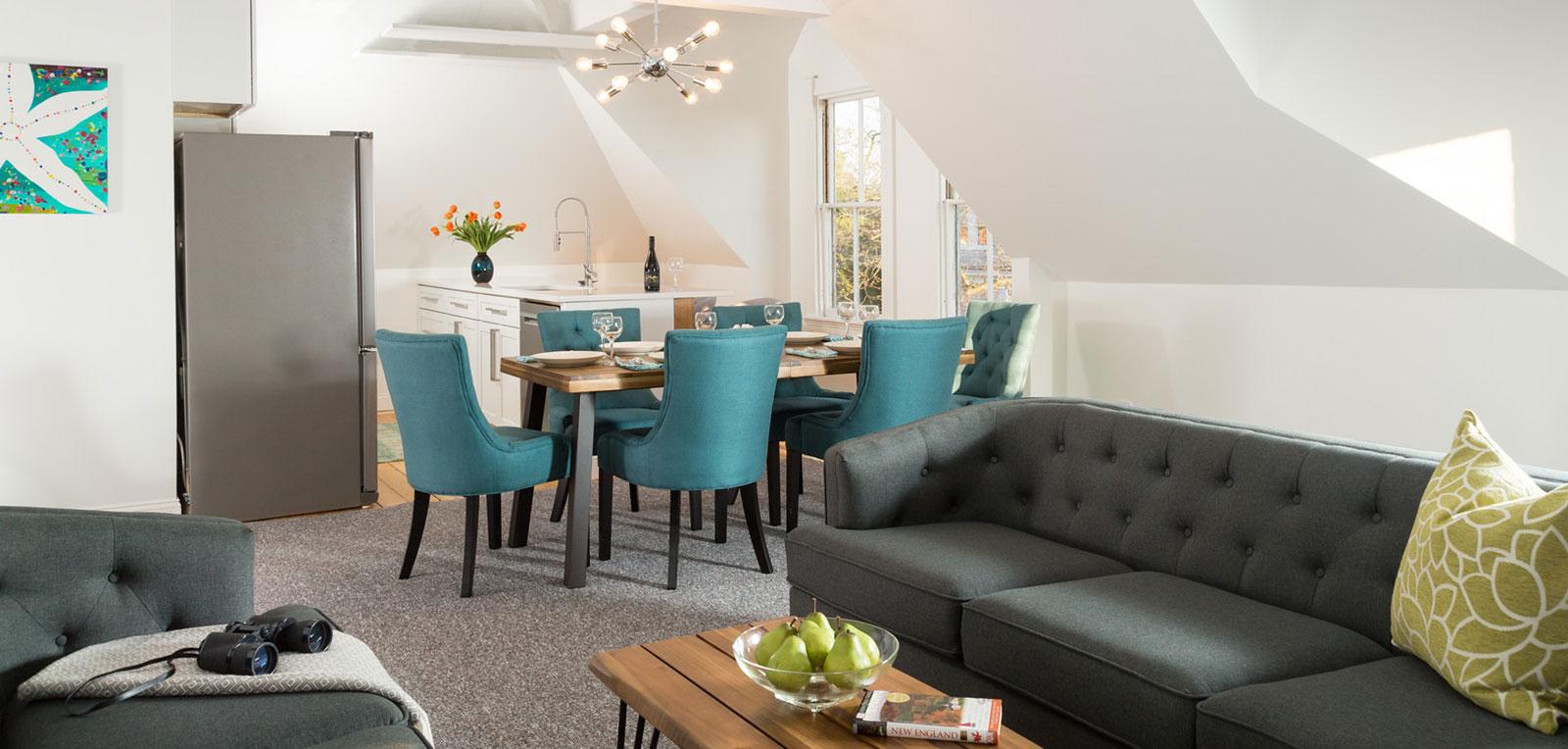 2BR Apartment Living room | ADMIRAL SIMS B&B, Newport Rhode Island