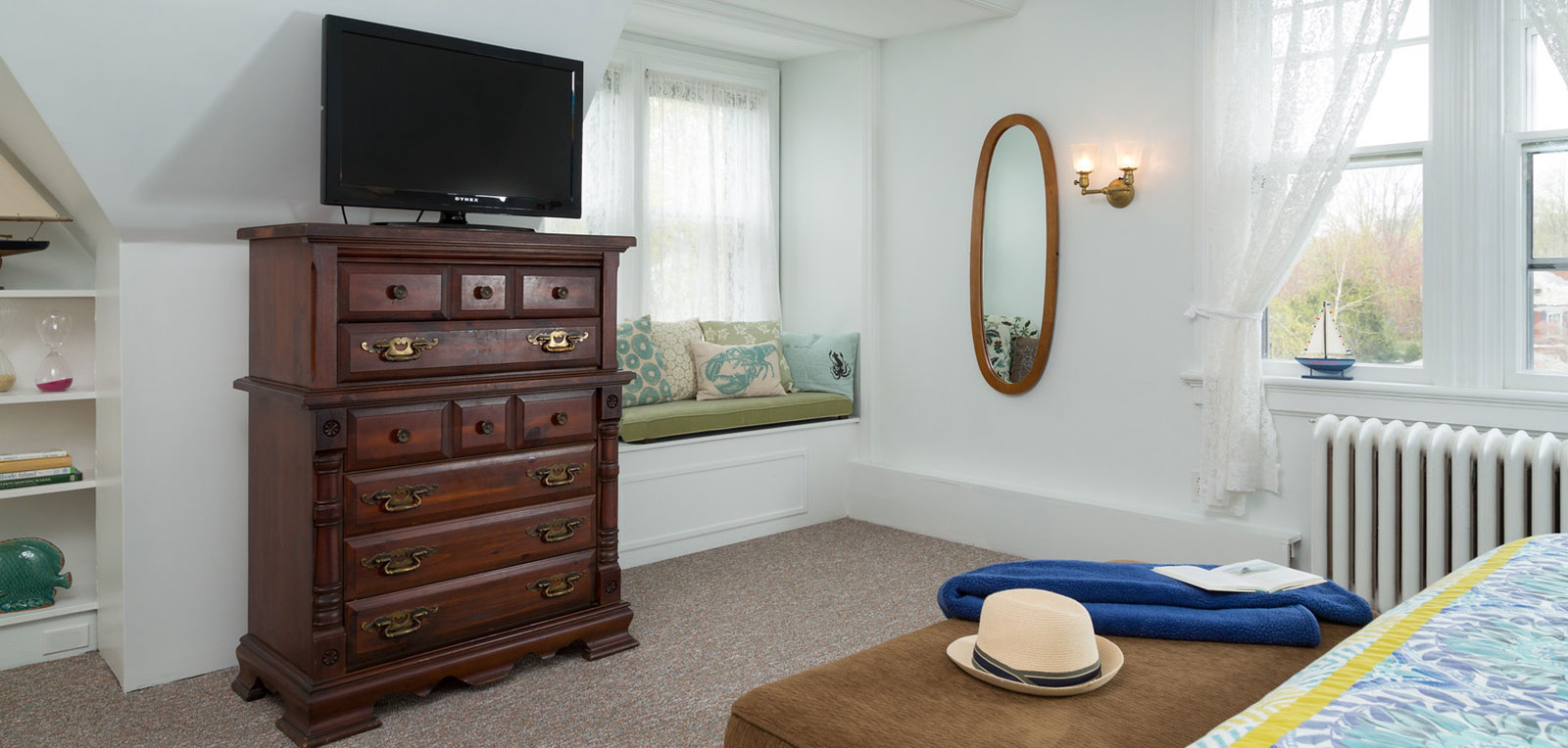 Admiral Sims' Suite Room with TV and Mirror | ADMIRAL SIMS B&B, Newport Rhode Island