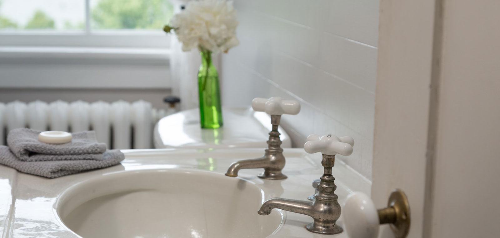 Admiral Sims' Suite Bathroom Faucet | ADMIRAL SIMS B&B, Newport Rhode Island